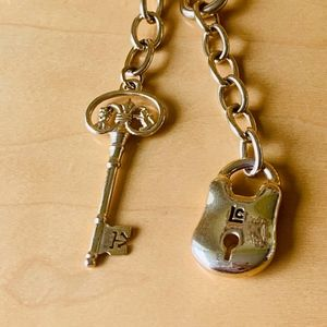 J303 Lock and Key necklace